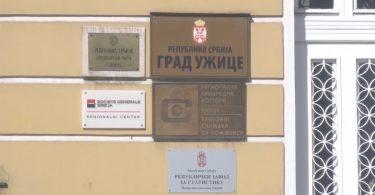 Nesic i Sladjana Stankovic o malinama.mpg.Still001