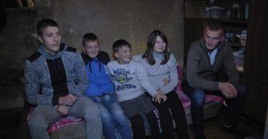 Porodica Jesic.mpg.Still001