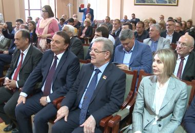 Delegacija iz Socija u Uzicu.mpg.Still001